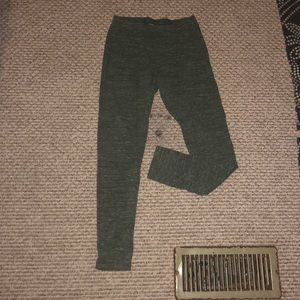 Super cute army green leggings